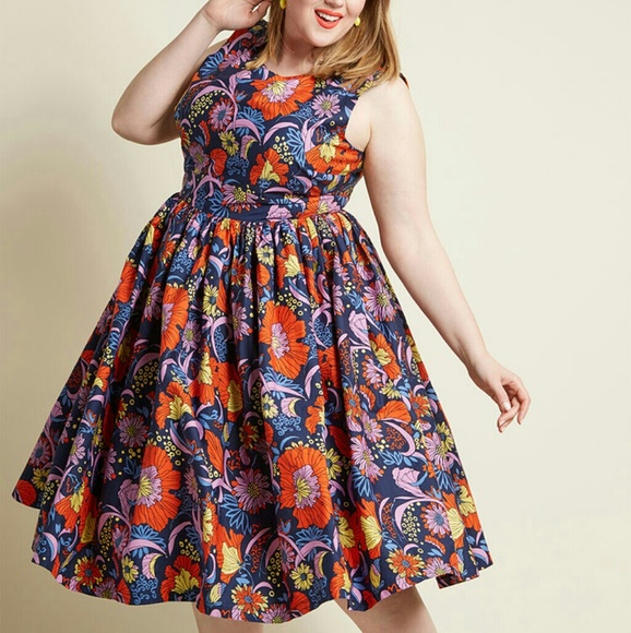 3e13e3e4bdaf3 Modcloth Fabulous Fit and Flare Dress with pockets.  M_5bdb387a0cb5aa9ecc3dc33b